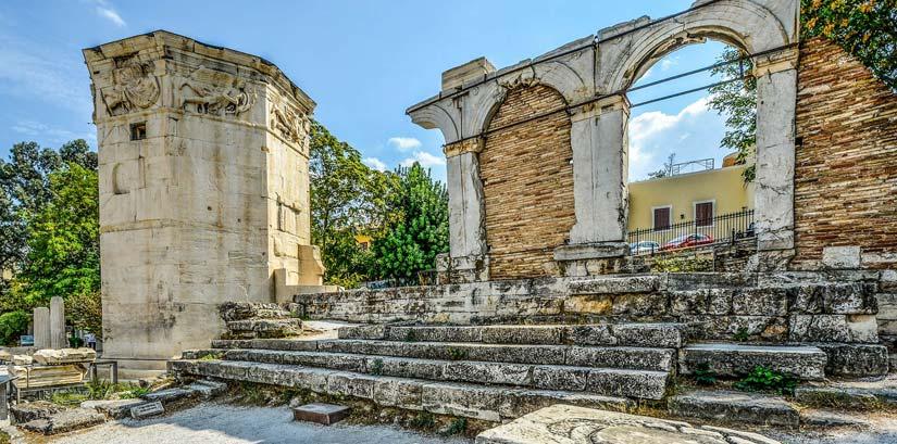 Torre de los vientos en el agora romana de Atenas