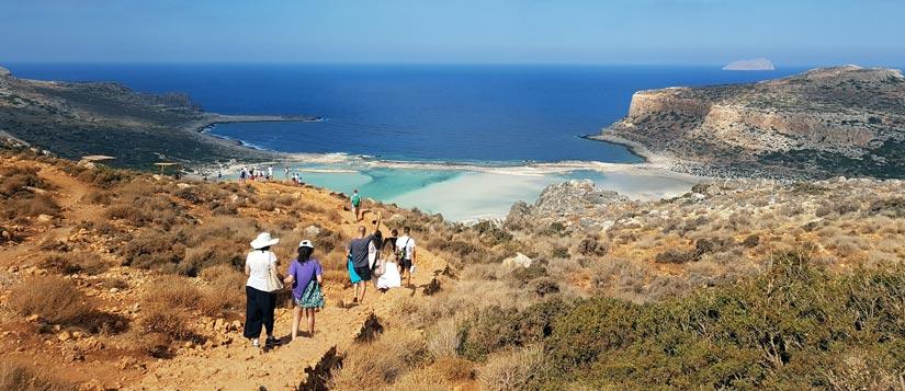 Recorrido a pie hasta la playa en Balos