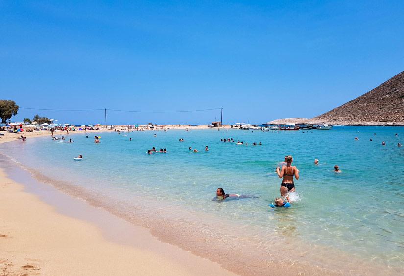 Playa de Stavros desde la orilla